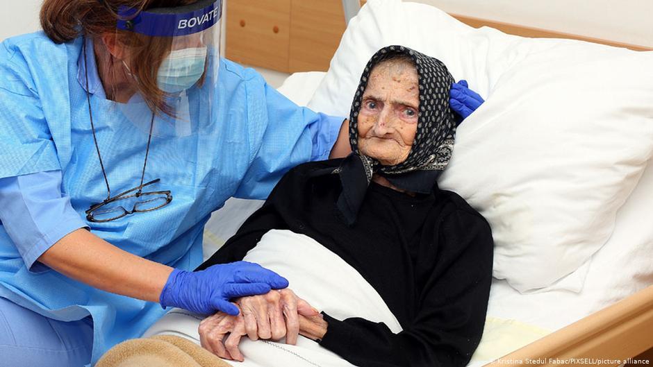 Mujer de 99 años vence al Coronavirus