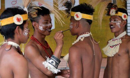 La comunidad indígena del Amazonas que aceptó los gays tiene reglas