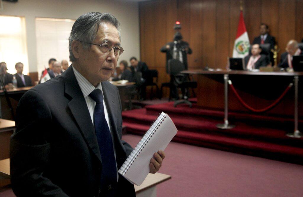 Alberto Fujimori afronta juicio por esterilizaciones forzosas de mujeres indígenas