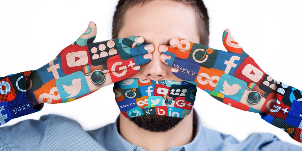 Las redes sociales nos censuran y hoy es el quinto poder, sin supervisión