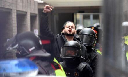 Rapero español Pablo Hásel encarcelado por criticar la monarquía